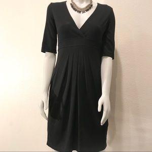 BCBGMAXAZRIA Black Stretchy Front Pleated Dress